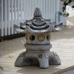 Border Stoneware Triple Top Pagoda